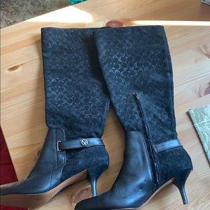 Black signature coach boots